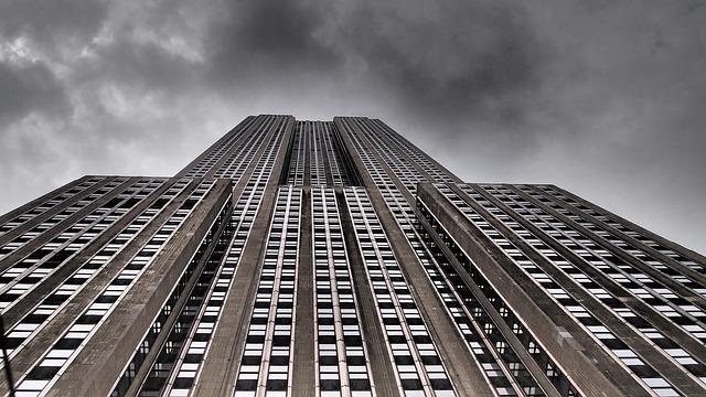 不穏な空気の上場企業