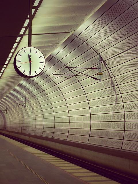 地下鉄のホーム