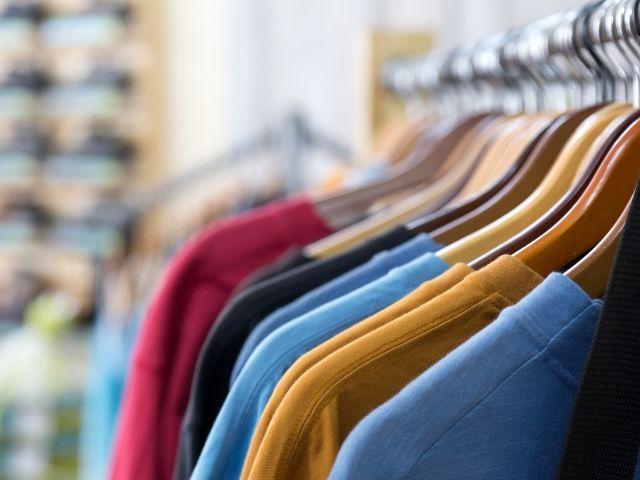 服の小売店はずっと立ち仕事。座れない