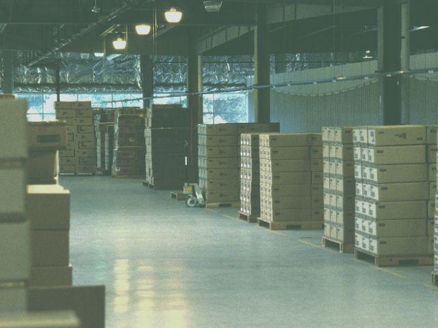 工場内の倉庫